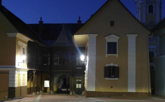 """Altstadt / Gaslaterne"" - dekorative LED Straßenleuchte   ""Old City / Gas Lantern"" - decorative LED Streetlight"